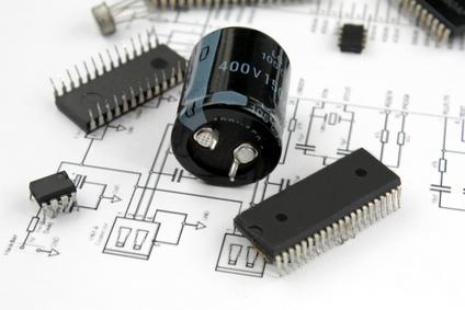 bedrahtete Elektronik-Bauteile
